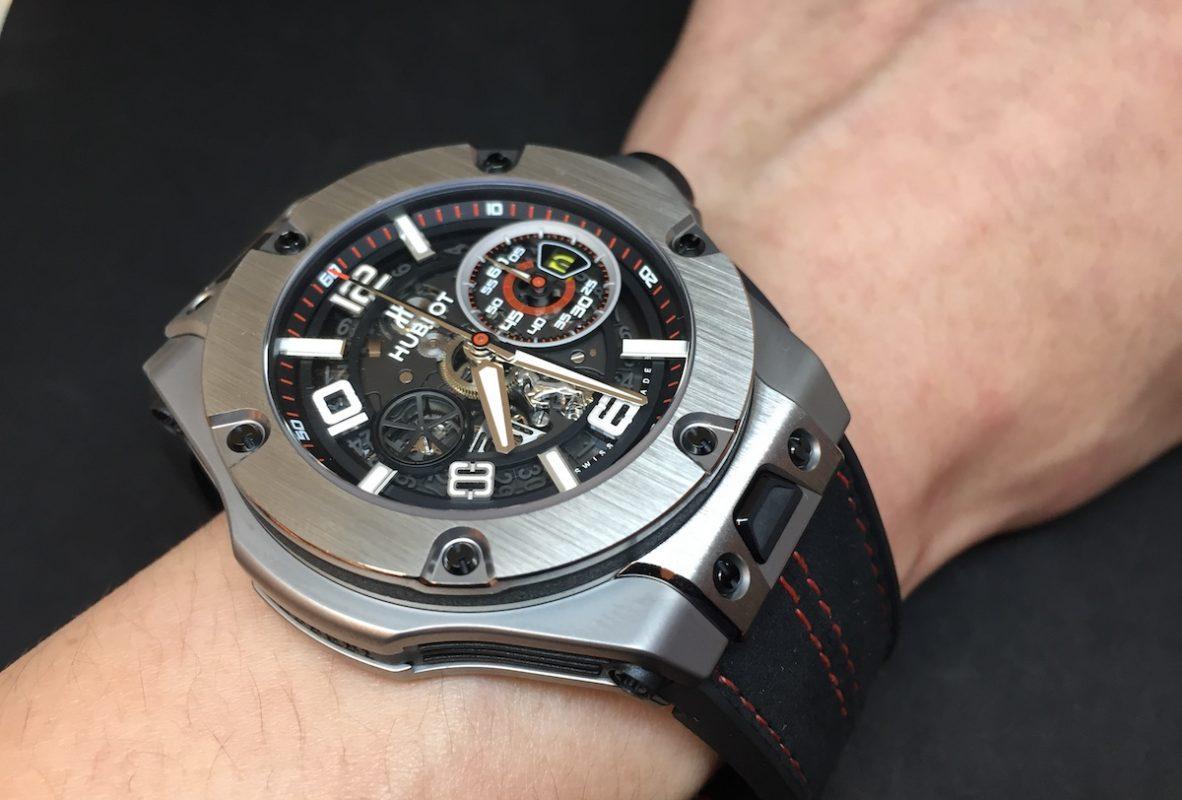 Big Bang Ferrari腕錶,鈦金屬錶殼,錶徑45毫米,時、分、小秒針、日期、飛返計時碼錶,Unico自動上鍊機芯,動力儲存72小時,藍寶石水晶玻璃鏡面及底蓋,防水100米,橡膠錶帶,限量1000只,參考售價:NTD 815,000。