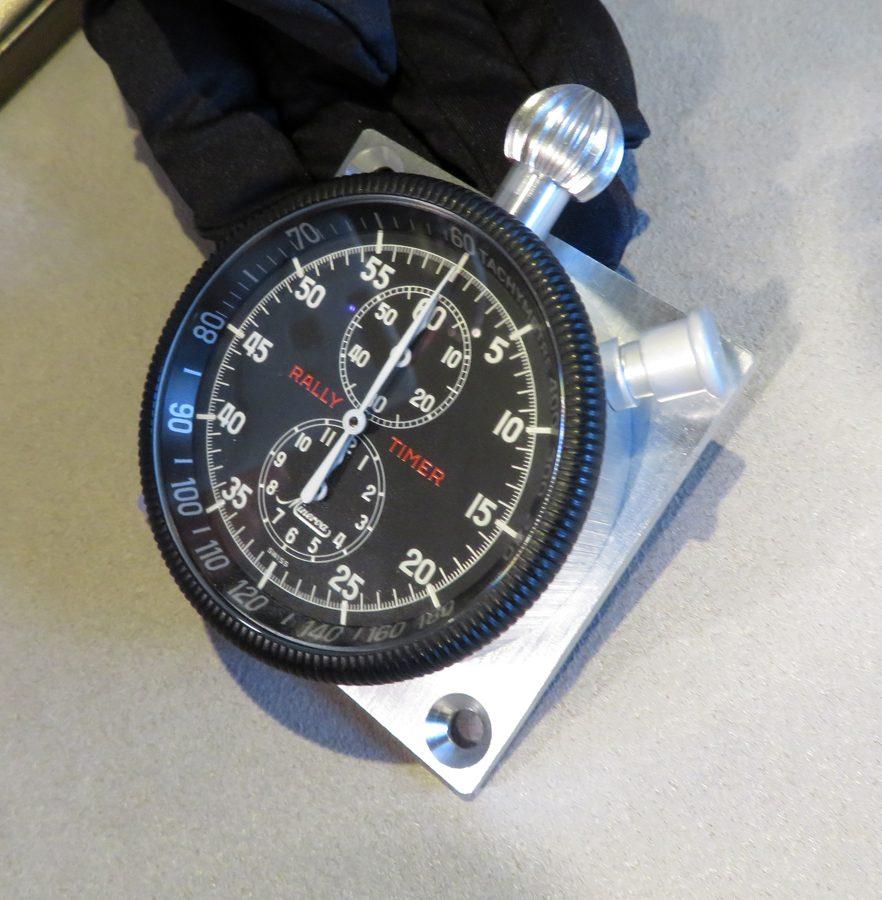 1916年研發出成名的1/100秒計時碼錶,並於1960年代進一步改良誕生這只Minerva 拉力計時碼錶。