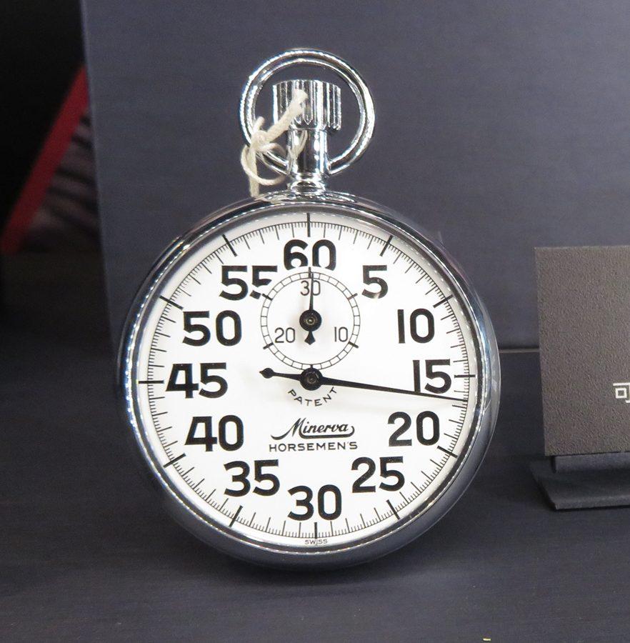 Minerva Stop Watch Horsemen's COM1421手動上鍊碼錶,精確度至1/5秒。