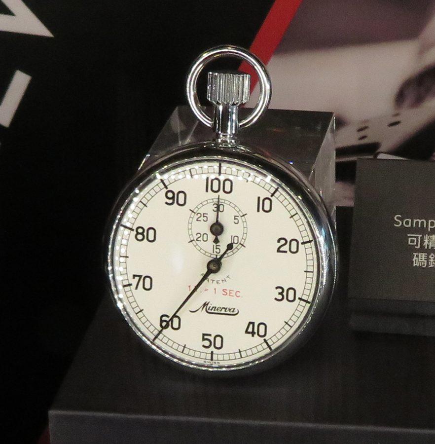 Minerva Stop Watch M101手動上鍊碼錶,精確度至1/100秒。