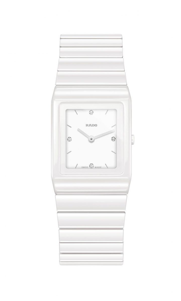 Rado Ceramica White, 尺寸 22.9x 31.7毫米,拋光白色陶瓷,參考售價:NTD 79,800。