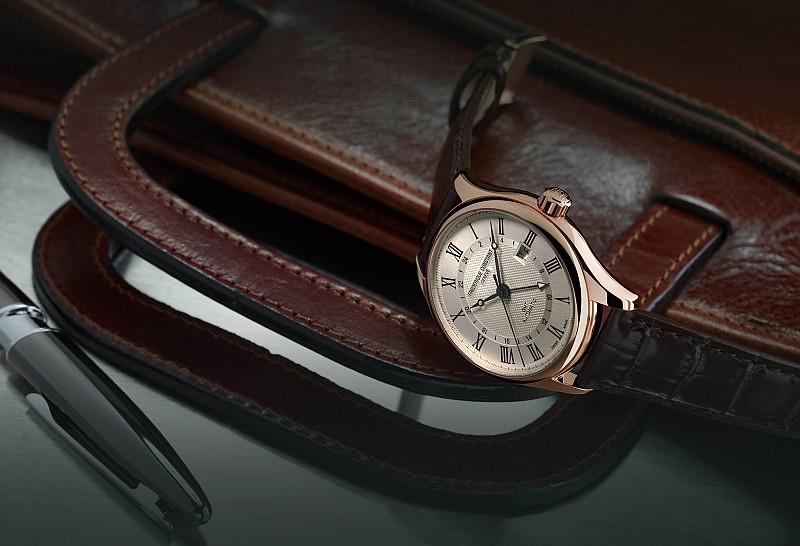 典雅男士的旅行傳說:康斯登經典自動GMT兩地時間腕錶