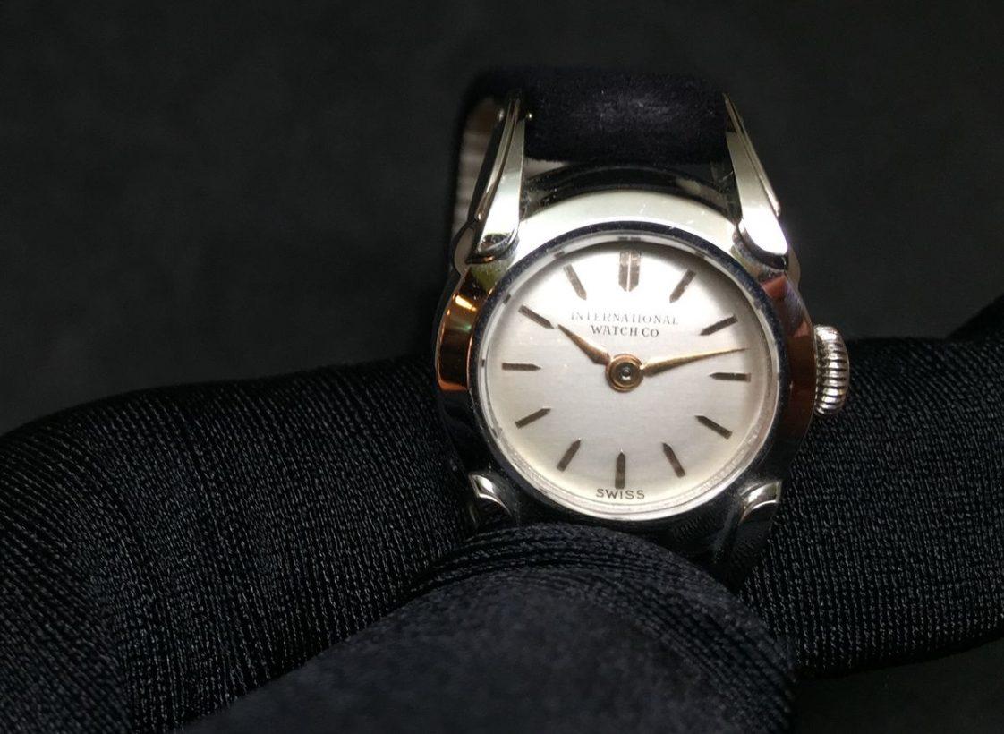 IWC女士腕錶,1955年,不鏽鋼錶殼,41型手上鍊機芯。