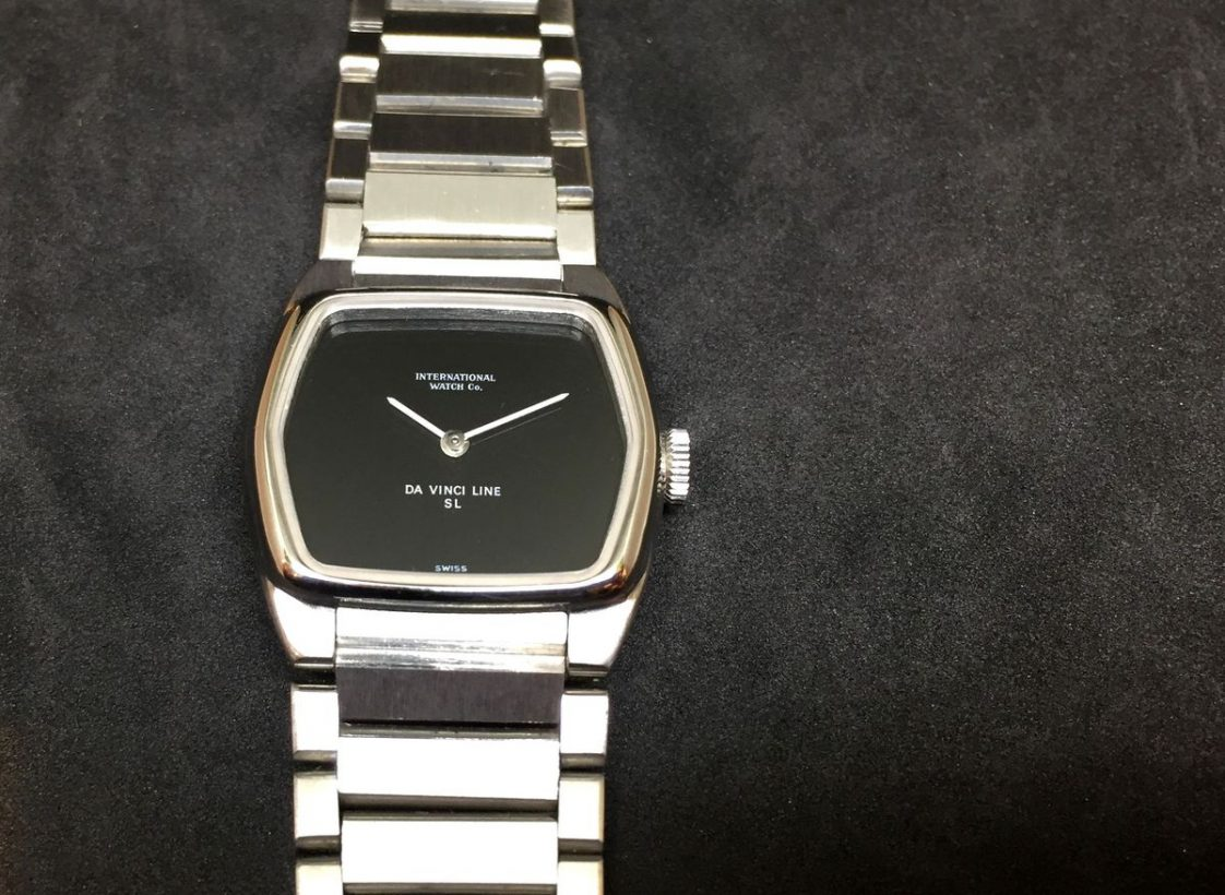 達文西SL腕錶,1977年,不鏽鋼錶殼及鍊帶,412型手上鍊機芯。