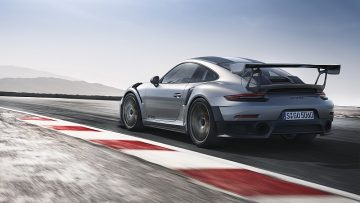 保時捷發表史上最強悍的 911—911 GT2 RS跑車