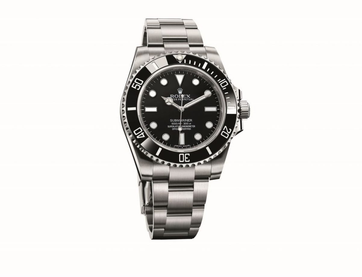 Submariner-114060,904L不銹鋼錶殼及鏈帶,陶質單向旋轉錶圈,時、分、秒,3130型自動機芯,藍寶石水晶玻璃鏡面,旋入式錶冠及底蓋,防水300米,參考售價:NTD 247,500。