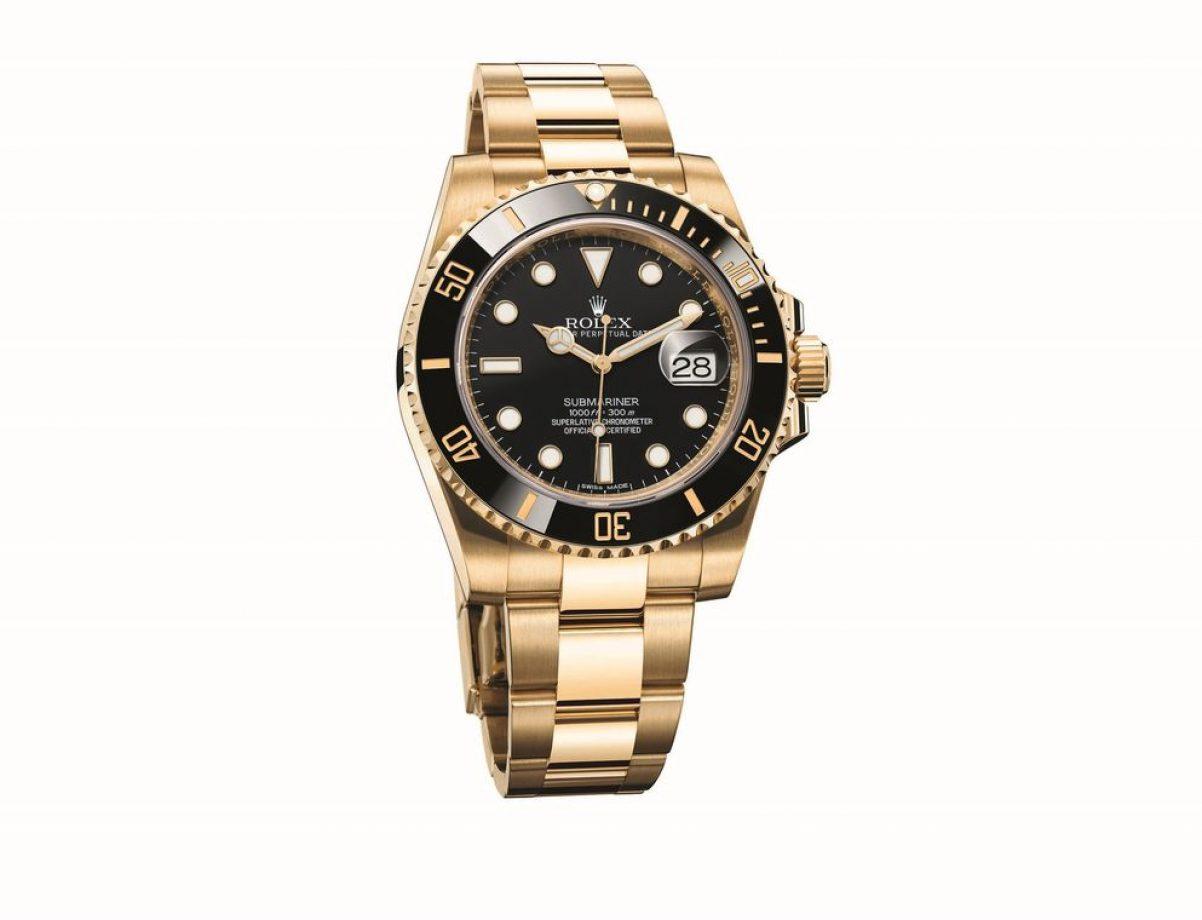 Submariner Date-116618LN,18ct黃金錶殼及鏈帶,陶質單向旋轉錶圈,時、分、秒、日期,3135型自動機芯,藍寶石水晶玻璃鏡面,旋入式錶冠及底蓋,防水300米,參考售價:NTD 1,033,500。
