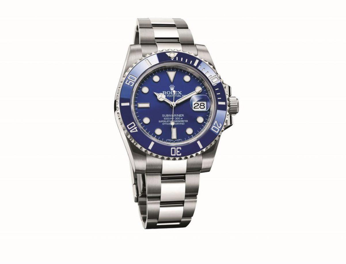 Submariner Date-116619LB,18ct白金錶殼及鏈帶,陶質單向旋轉錶圈,時、分、秒、日期,3135型自動機芯,藍寶石水晶玻璃鏡面,旋入式錶冠及底蓋,防水300米,參考售價:NTD 1,123,000。