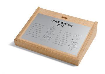 兄弟連手造懷錶  支持慈善顯工藝