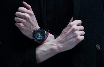 G-SHOCK攜手紐約當紅男裝設計師Robert Geller推出聯名款G-STEEL GST-200RBG-1A