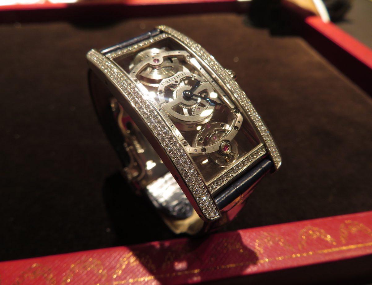 Tank Cintrée中央坦克鉑金鑲鑽鏤空腕錶