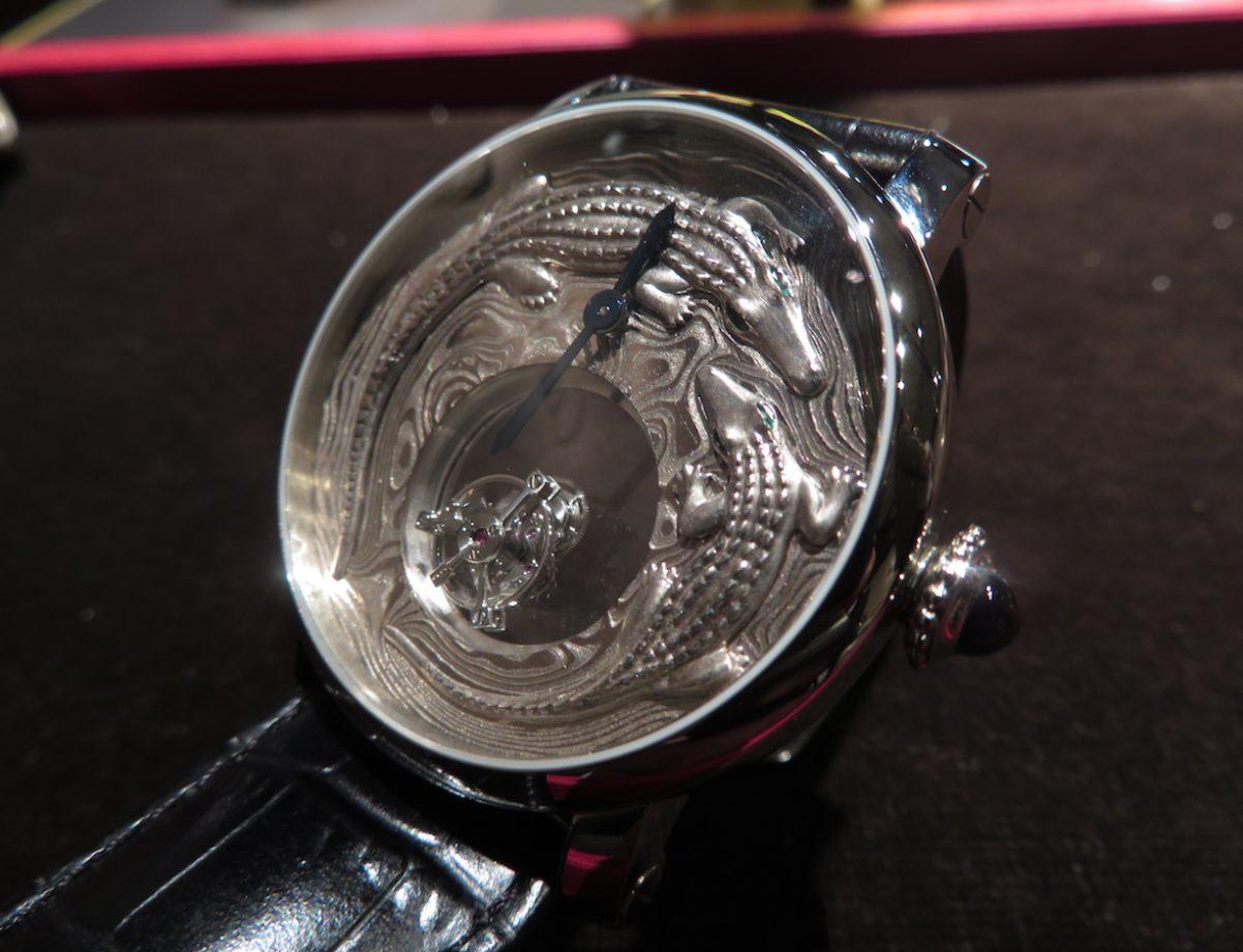 Cartier d'Art Rotonde de Cartier鱷魚造型神秘陀飛輪腕錶