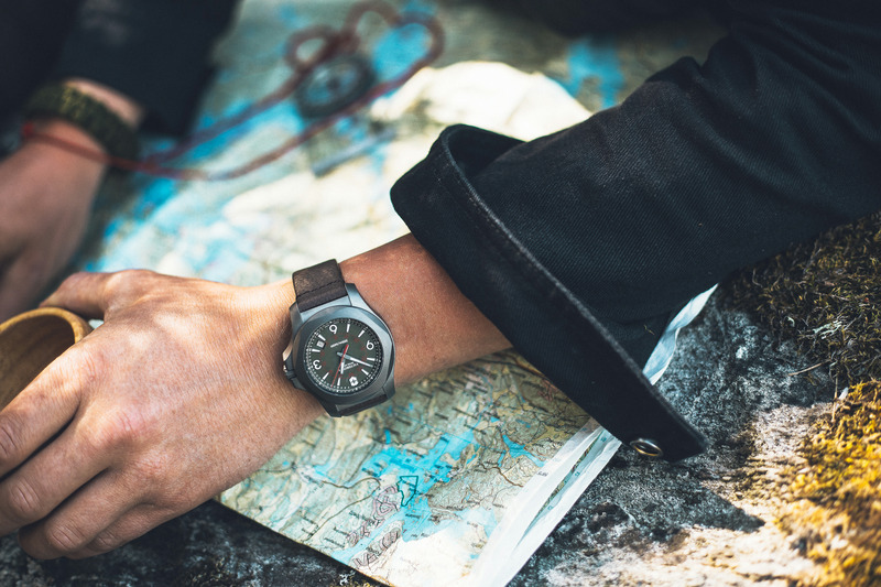 實用,無畏,毋庸置疑的父親節禮物:瑞士維氏I.N.O.X. Titanium鈦金屬腕錶