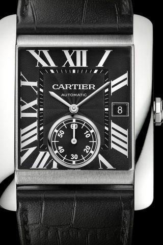<strong>TANK腕錶的卓越設計—羅馬數字</strong><br>TANK腕錶的大部分錶款皆以羅馬數字顯示小時。羅馬數字時標與分鐘軌的融合帶來令人過目難忘的錶盤設計。