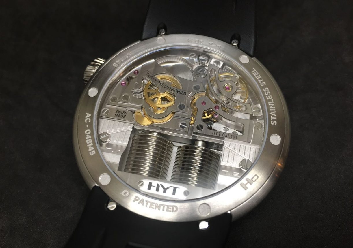 每一只HYT腕錶都是結合科技與傳統機械結構的創作。