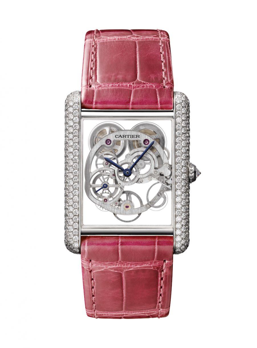 CARTIER 卡地亞 Tank Louis Cartier藍寶石水晶鏤空腕錶,參考售價 NTD 2,870,000。