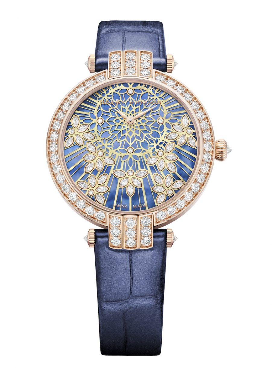 Harry Winston Premier Precious Lace 18K 玫瑰金鑽錶,參考售價 NTD 1,331,000。