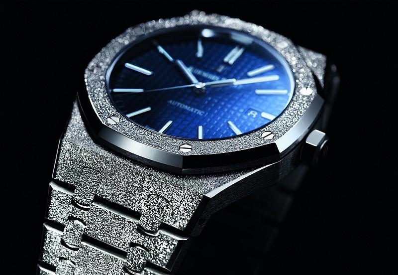 愛彼推出全新皇家橡樹系列霜金限量錶款及六款全新皇家橡樹袖扣