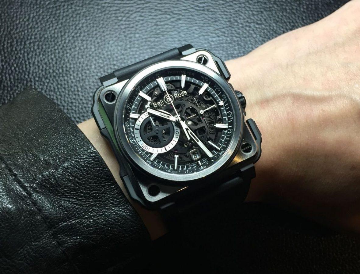 BR-X1 Black Titanium,鈦金屬錶殼,黑色陶瓷外框,錶徑45毫米,時、分、小秒針、日期、計時碼錶、夜光指針及時標,BR-CAL. 313自動上鍊機芯,藍寶石水晶玻璃鏡面,防水100米,橡膠錶帶,限量250只,參考售價:NTD 629,700。