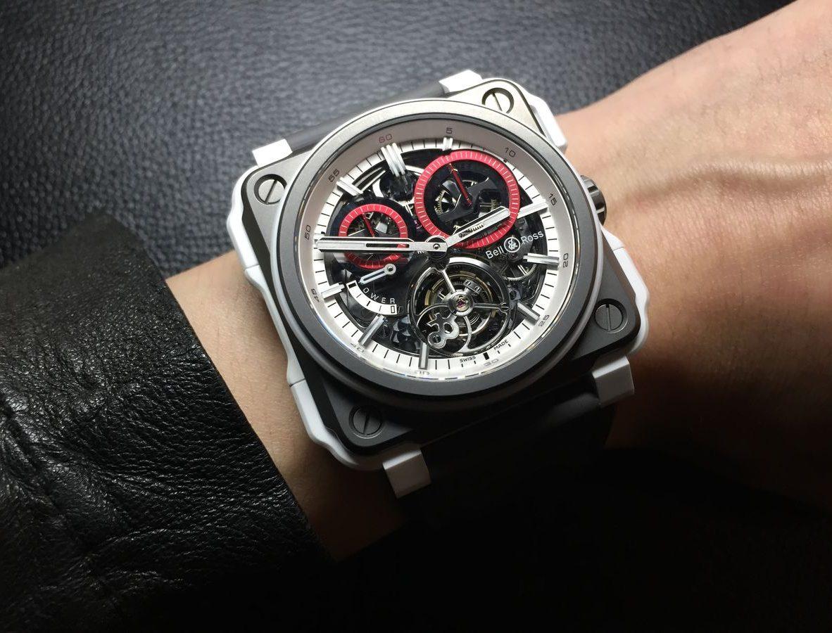 BR-X1 Tourbillon White Hawk,鈦金屬錶殼,白色陶瓷外框,錶徑45毫米,時、分、陀飛輪、單按把計時碼錶、動力儲存顯示、夜光指針及時標,BR-CAL. 283手動上鍊機芯,藍寶石水晶玻璃鏡面及底蓋,防水100米,小牛皮內襯橡膠錶帶,限量20只,參考售價:NTD 5,780,000。