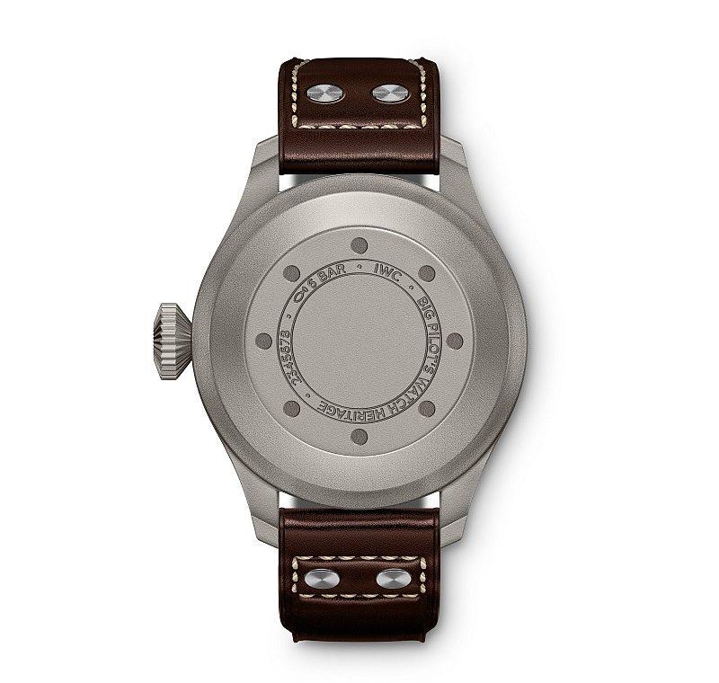 鈦金屬大型飛行員傳承腕錶錶背