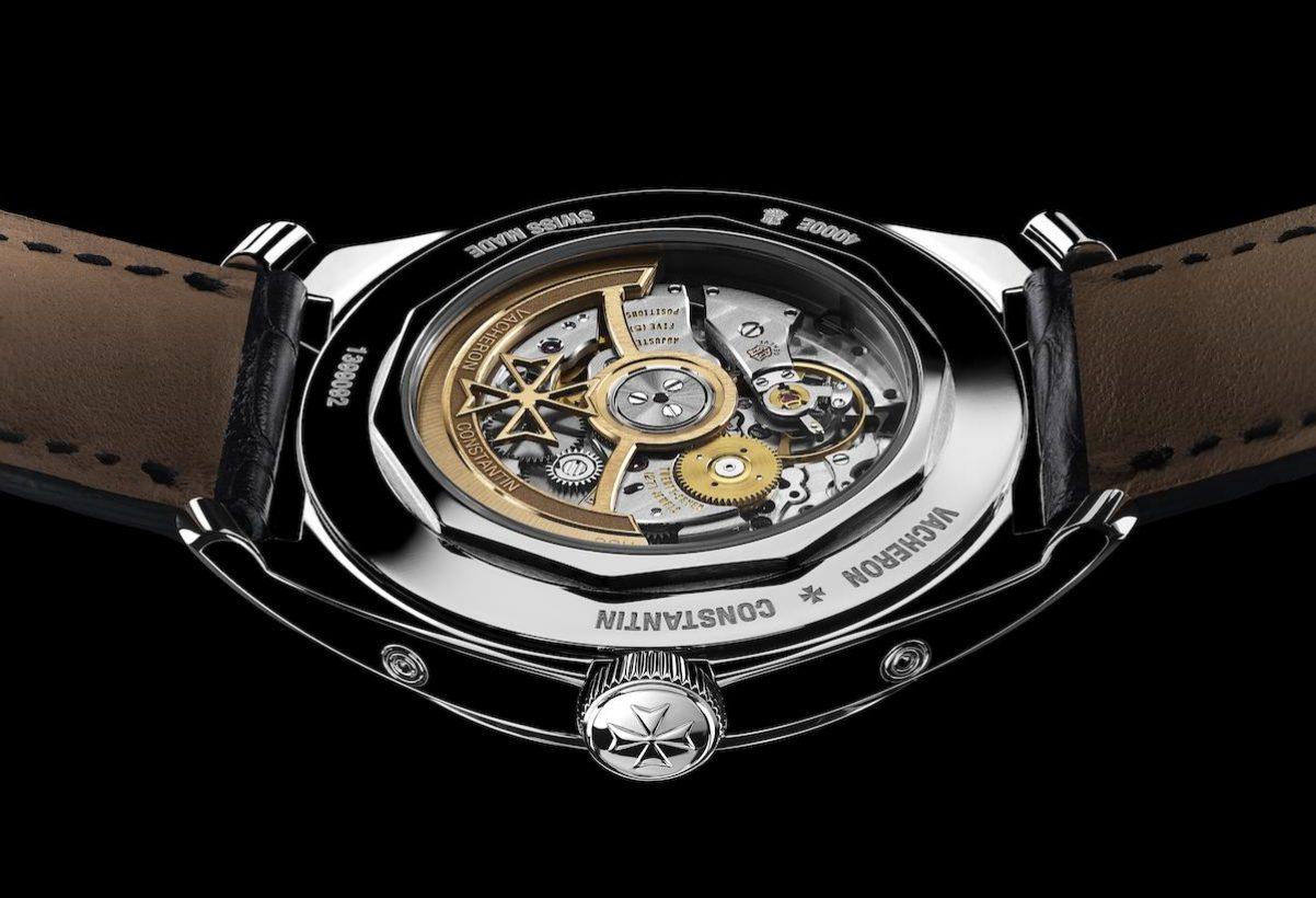 一如往常,江詩丹頓以最高品質的水準修飾FIFTYSIX®全日曆腕錶的機芯。