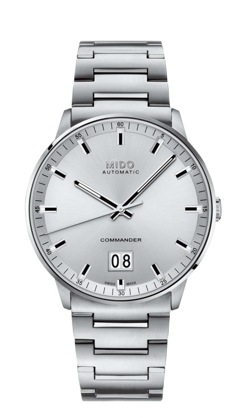 Commander Big Date香榭系列大日期窗腕錶,緞面絲光打磨錶殼,316L不鏽鋼金及鍊帶,建議售價NTD30,500。