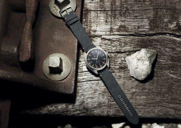 精準呈現復古鐵道風情:歐米茄大師天文台鐵霸錶磅礡回歸