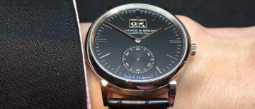【2018 SIHH錶展報導】數大即是美:朗格Saxonia Outsized Date大日曆腕錶