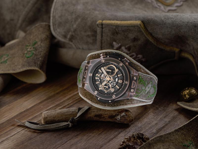 青銅襯搭皮革 創新融合傳統