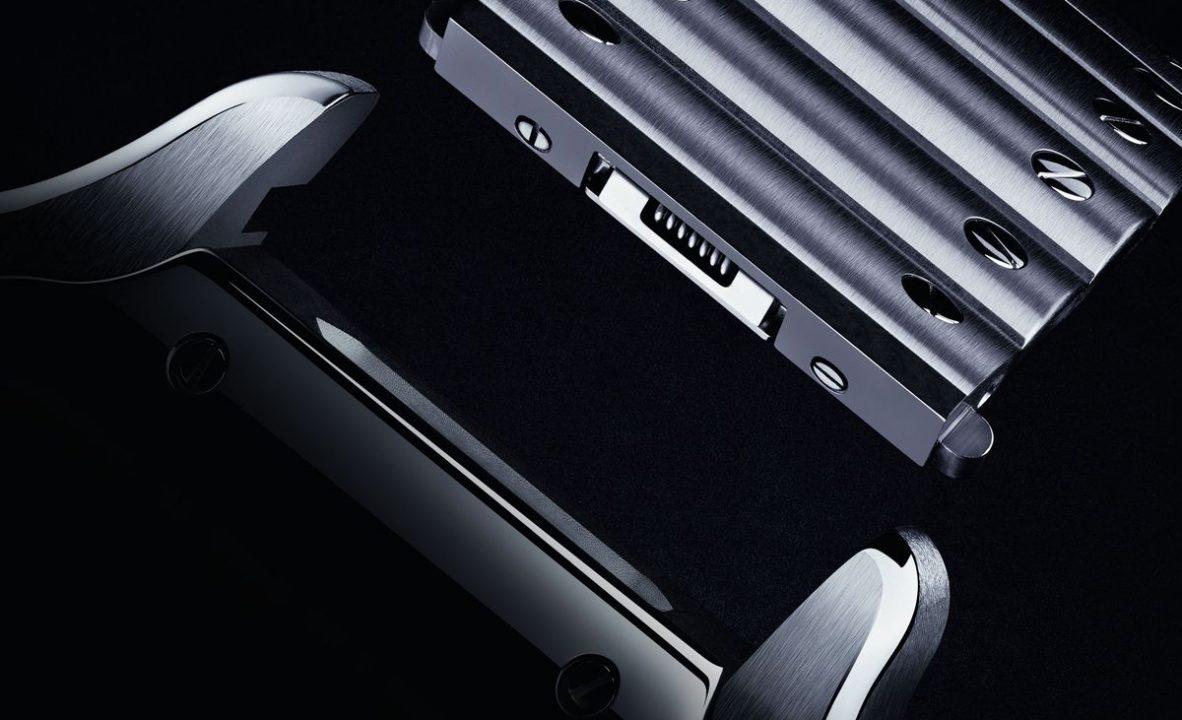快拆錶帶的設計使經典的Santos更加進步。