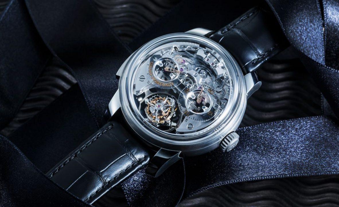 三問報時三軸陀飛輪腕錶:鈦金屬錶殼,錶徑48毫米,時、分、三軸陀飛輪、三問報時,GP09560-0001手動上鍊機芯,動力儲存60小時,藍寶石水晶玻璃鏡面及底蓋,防水30米,鱷魚皮錶帶,參考售價:NTD 12,764,000。