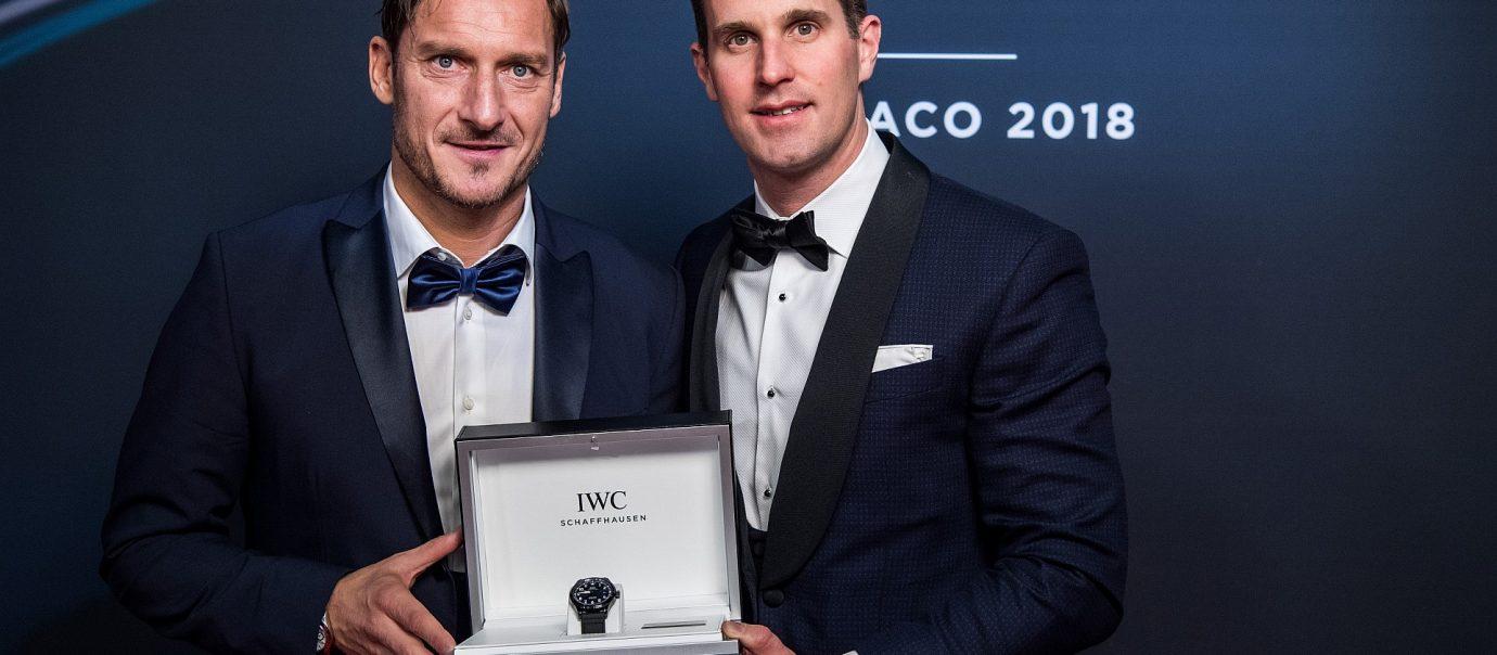 為公益起飛:IWC推出藍黑雙色的馬克十八飛行員腕錶「勞倫斯體育公益基金會」特別版