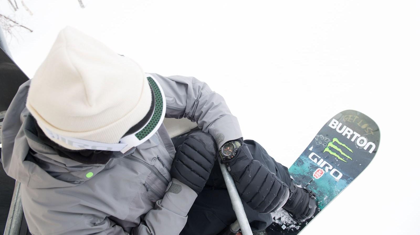 G-SHOCK三度攜手美國知名雪板創始品牌 BURTON,推出極地機能聯名錶款GG-1000BTN