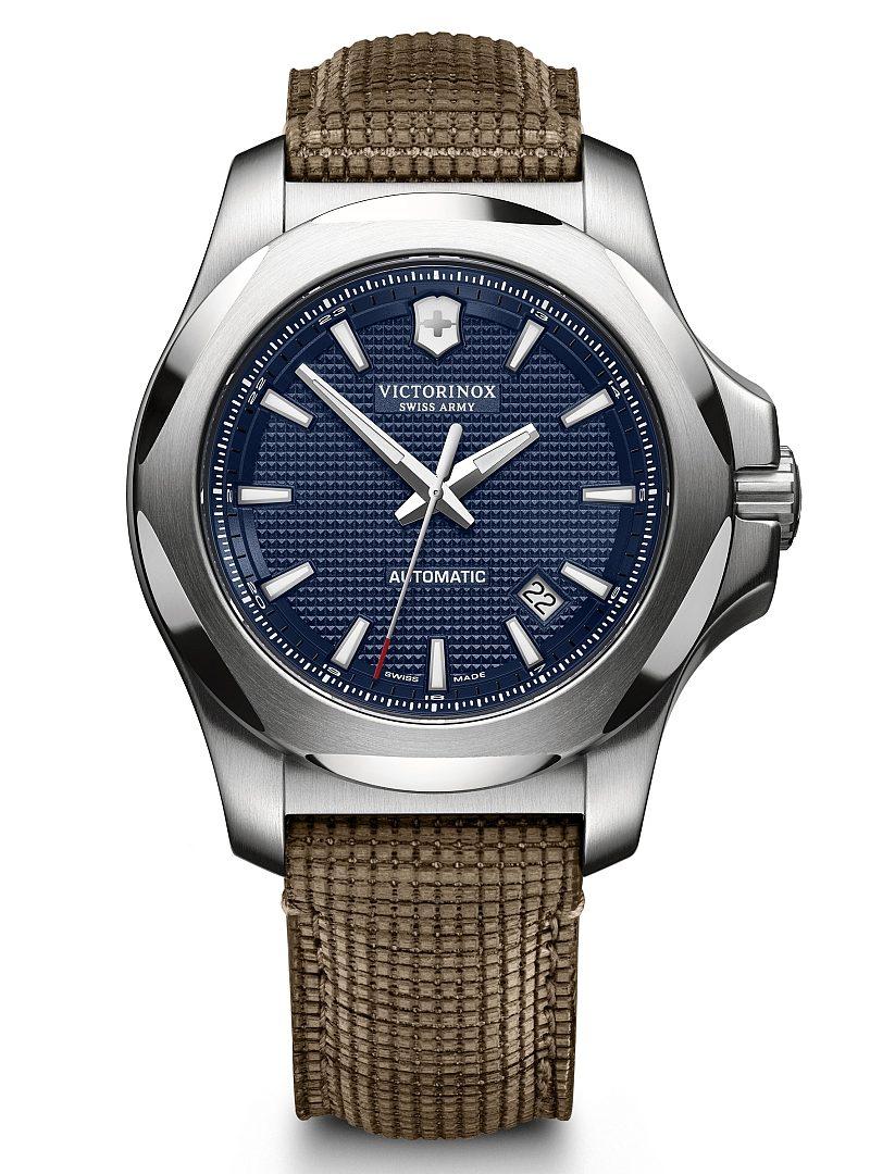 I.N.O.X 機械錶,型號241834,訂價約NTD29,800