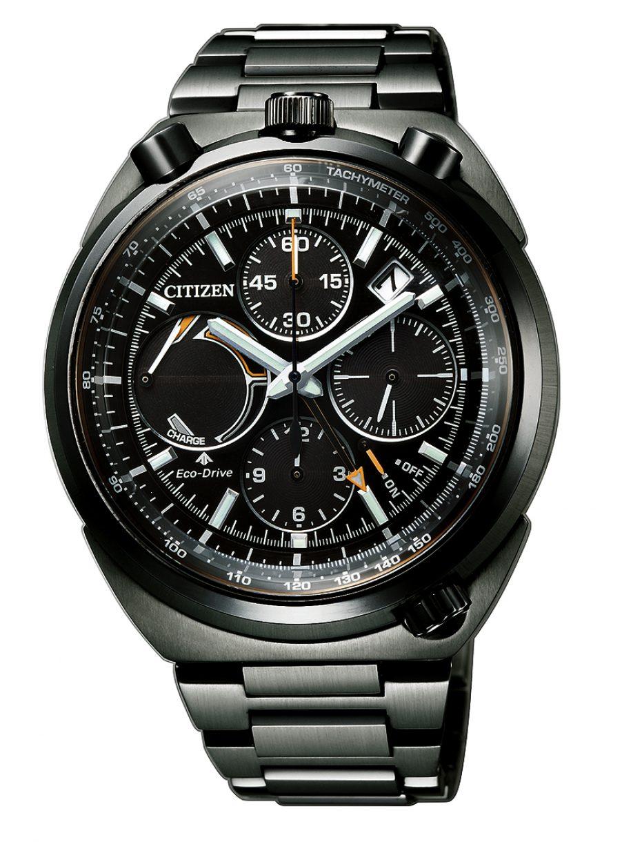 PROMASTER LAND系列光動能飛返計時碼錶,型號AV0077-82E,參考售價約NTD28,800。