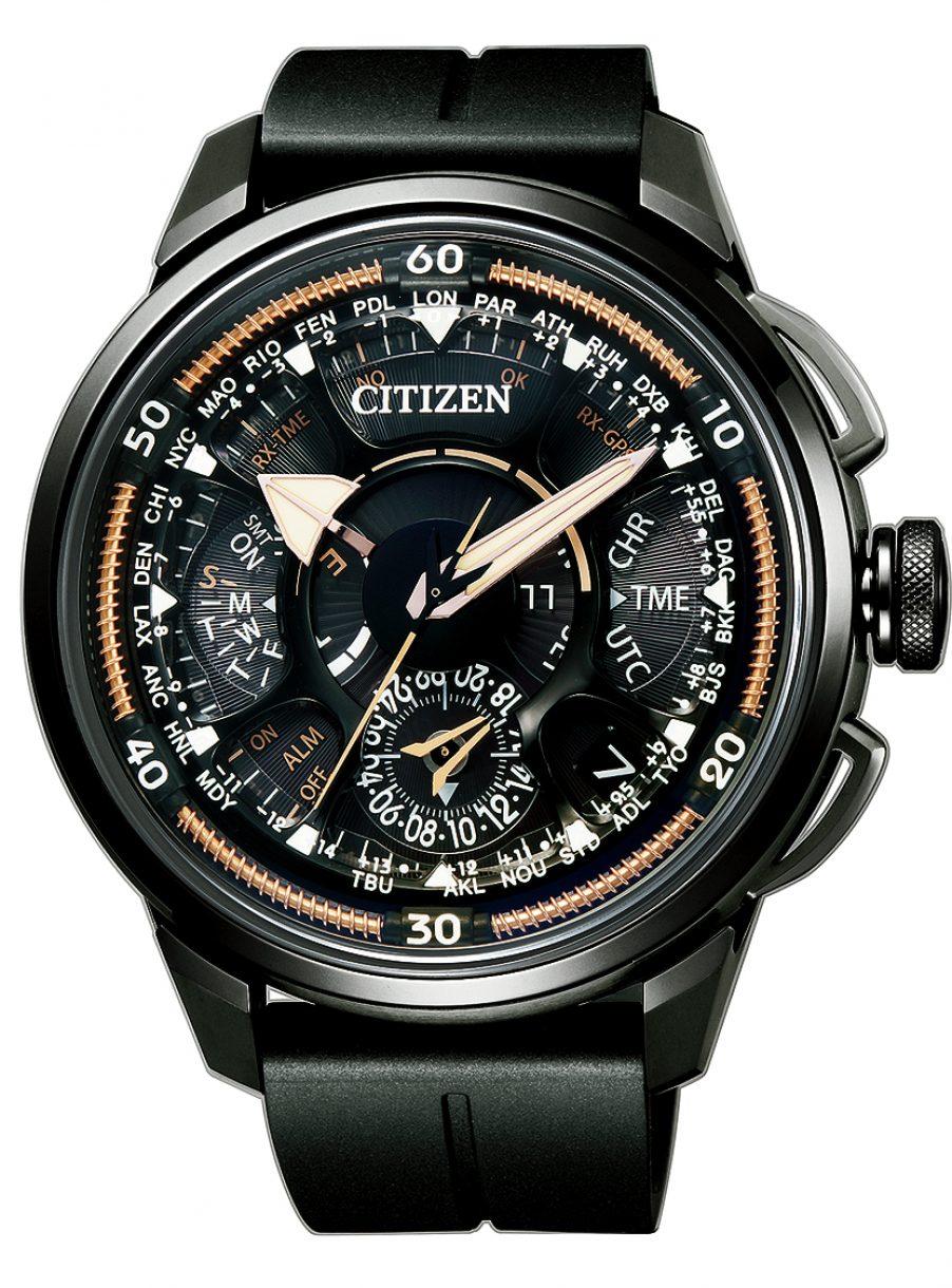 光動能GPS衛星對時超級鈦™腕錶F990,型號CC7005-16G,參考售價約NTD108,000。