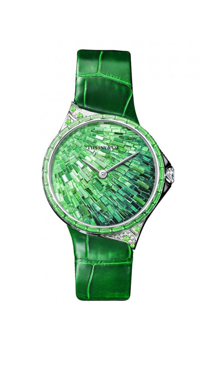 Tiffany Metro 28mm 馬賽克設計18K白金鑲嵌沙弗萊石、鑽石與彩色寶石高級珠寶腕錶,參考售價NTD3,775,000。