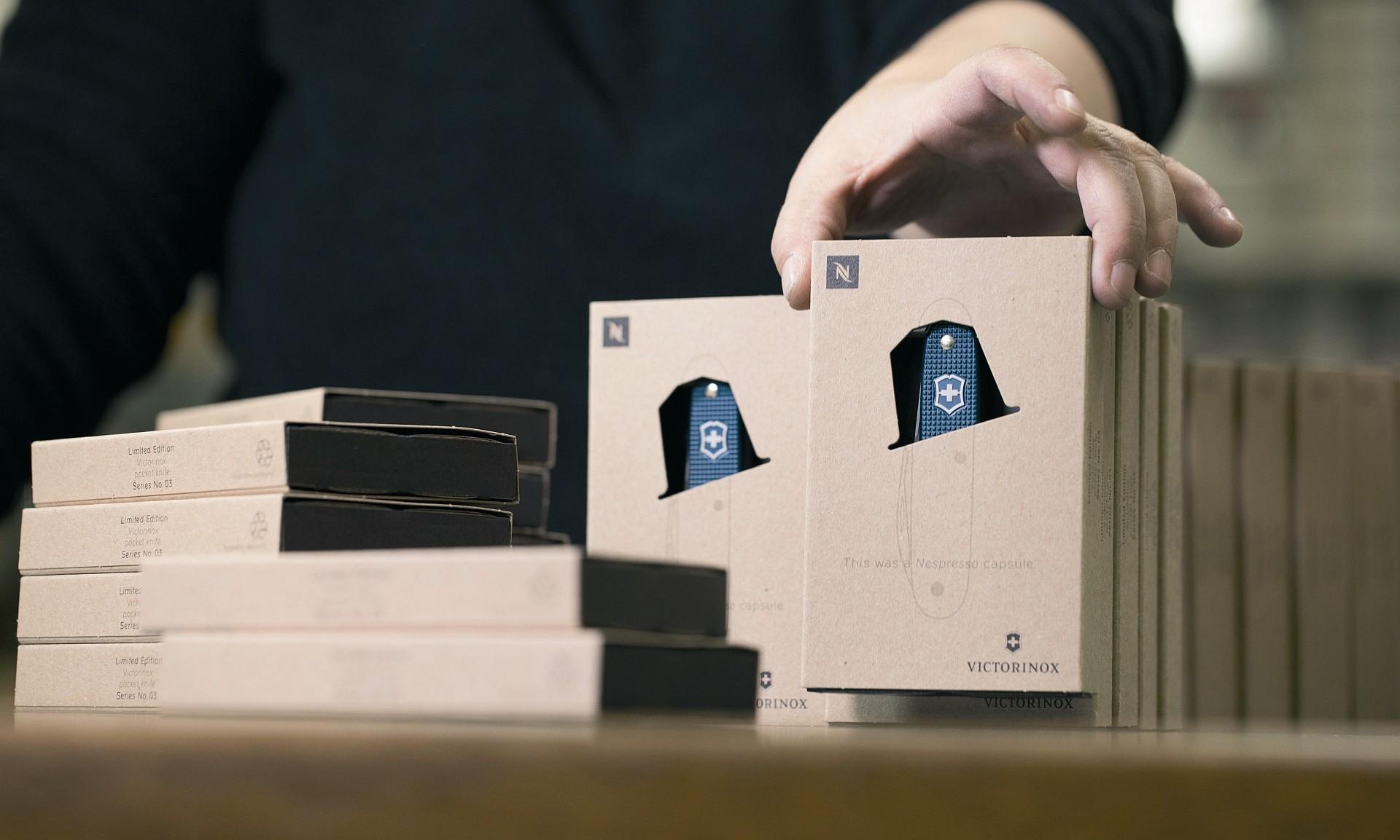Victorinox呈獻全新限量版Pioneer Nespresso Dharkan原創瑞士軍刀