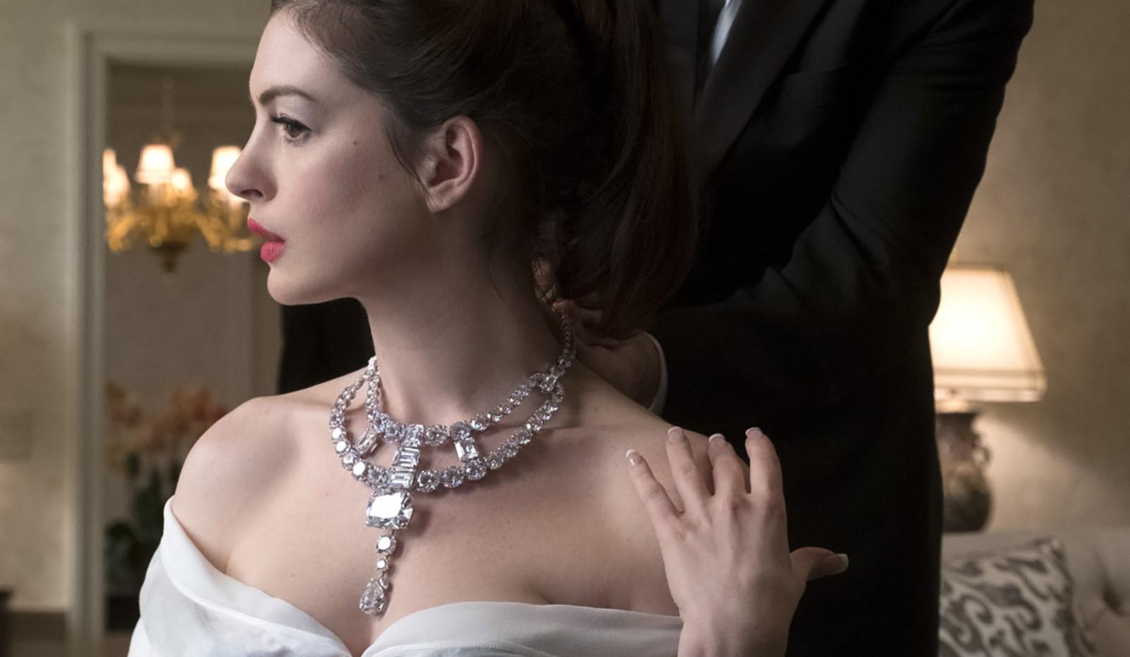 《瞞天過海:八面玲瓏》即將上映,女賊們能成功竊取傳奇的卡地亞Jeanne Toussaint 項鍊嗎?