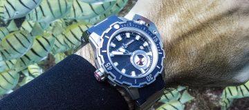 與鯊魚共舞:海洋領域佼佼者佩戴雅典錶《Deep Dive》