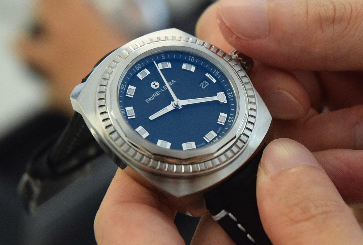 Raider Sea King(深海藍),不鏽鋼錶殼,錶徑41毫米,防水300米,參考價NTD 48,000(皮帶款)/NTD 55,000(鍊帶款)。
