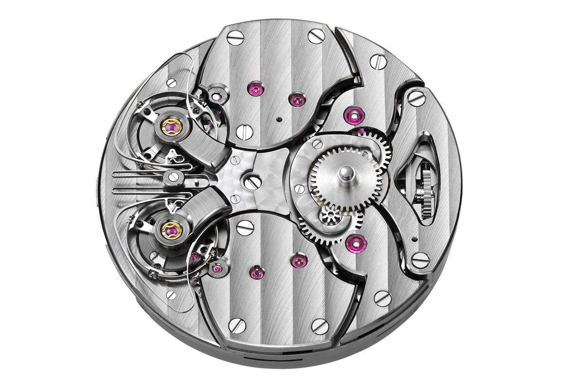 ARF16手動上鍊機芯,由兩個獨立的鏡像對稱調速器驅動。