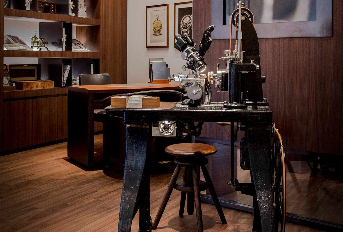 寶璣機刻雕花古董機器