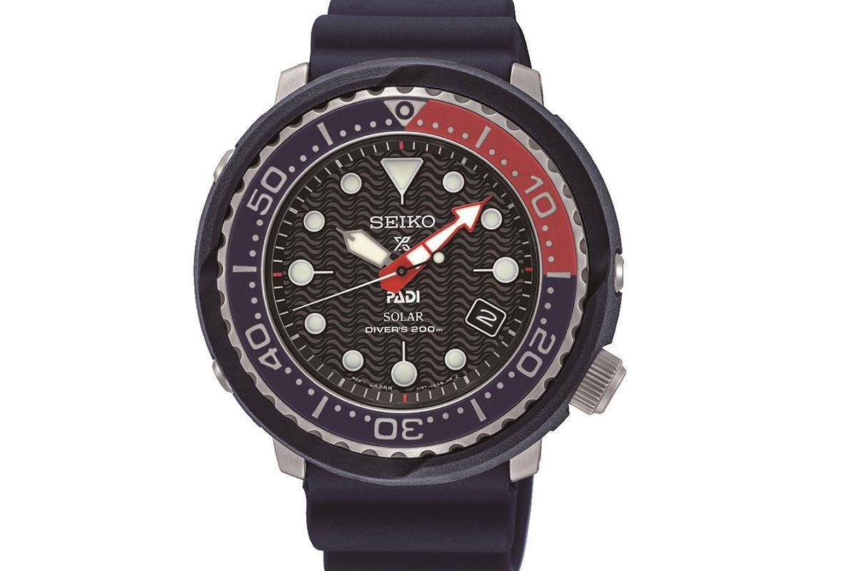 小鮪魚系列錶款-SNE499P1,參考價NTD 13,900