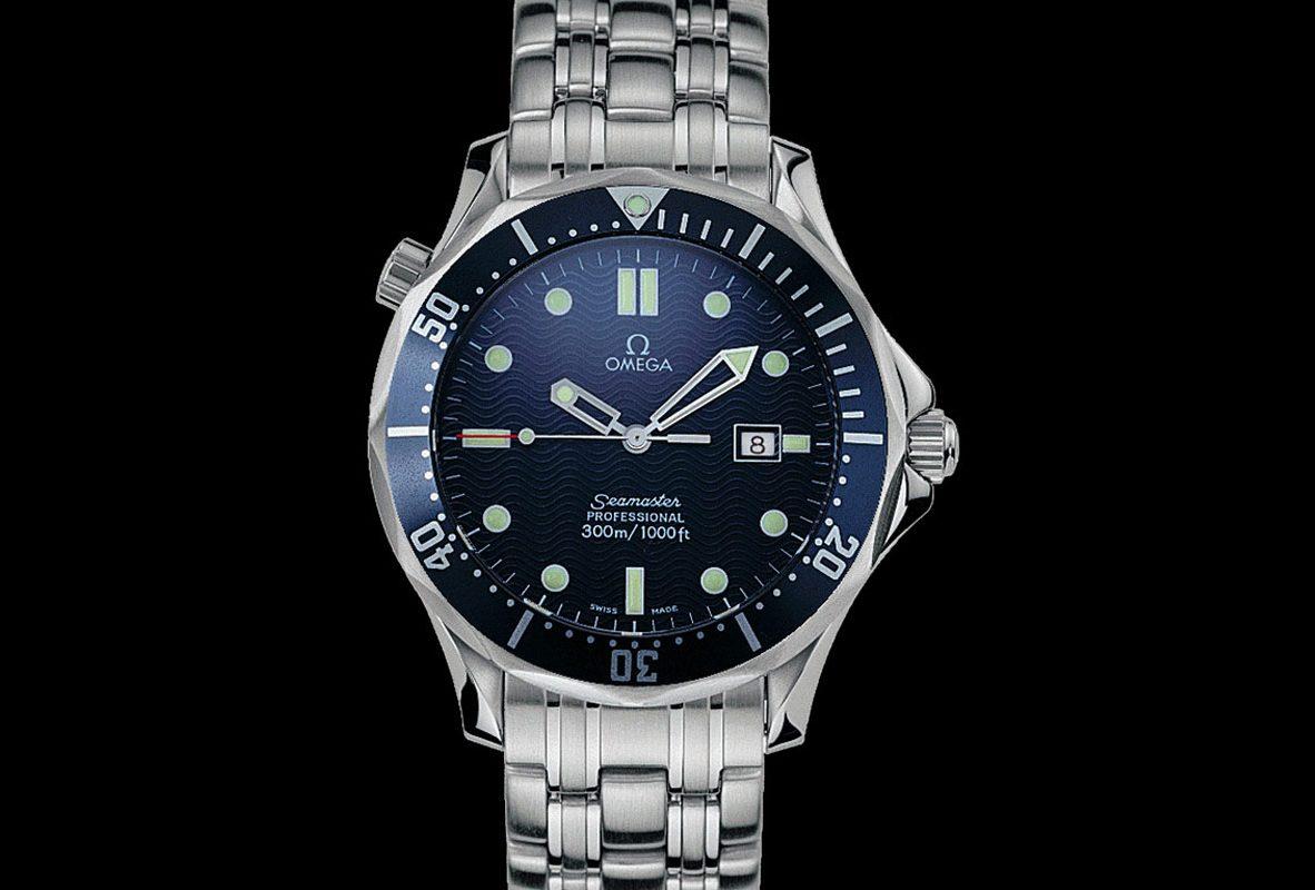1995年出現在007系列電影《黃金眼》中的海馬潛水300米腕錶。