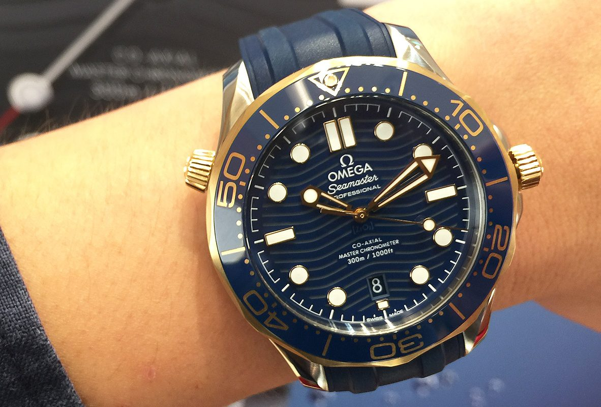 海馬潛水300米系列(18K金與不鏽鋼款/橡膠錶帶),參考價NTD 212,000。