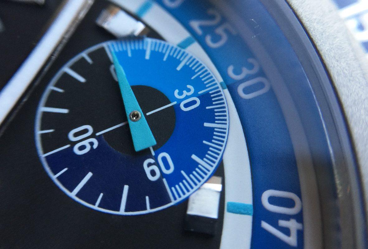 3點鐘的副錶盤能記錄最深下潛處。