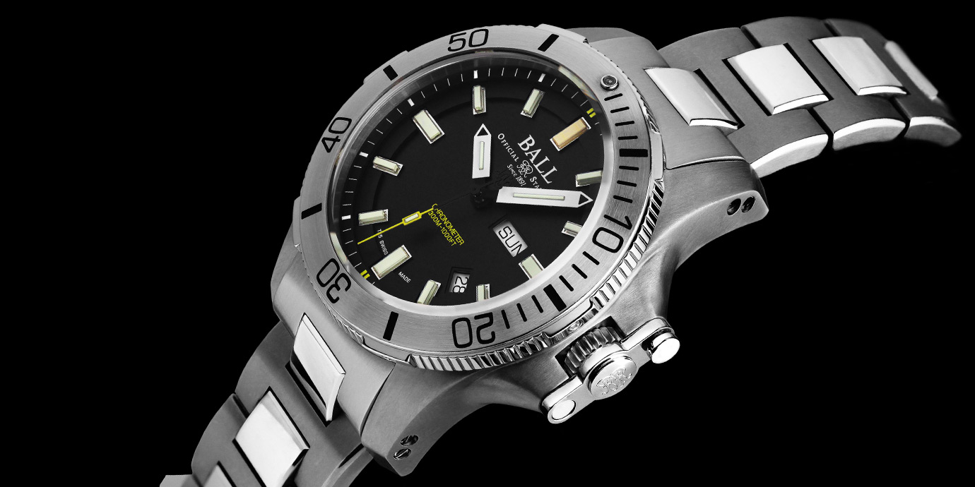 深海中散發耀眼亮光:Ball Watch Engineer Hydrocarbon Submarine Warfare