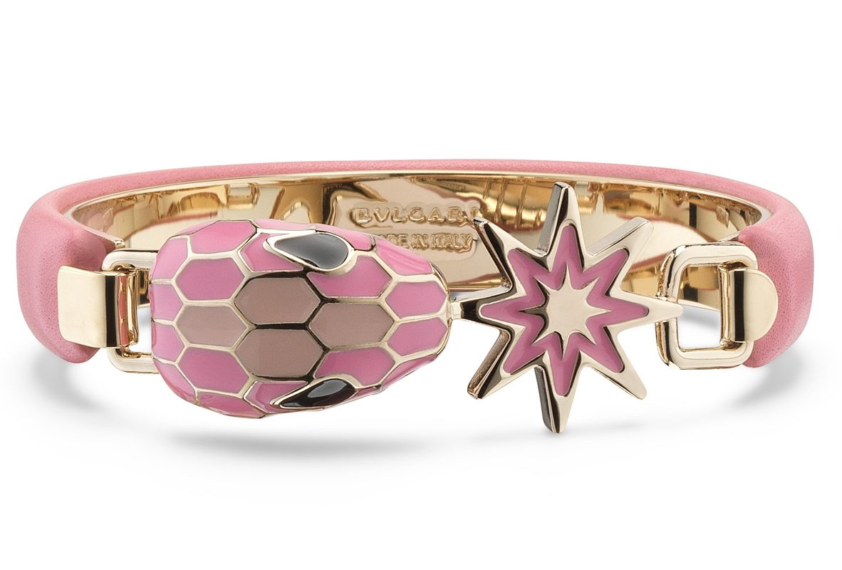POP WISHES系列SERPENTI FOREVER 糖果石英色小牛皮手環,參考售價NTD 15,500。